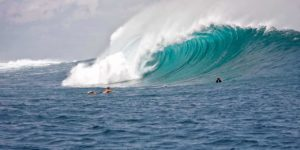 big waves 2193828 12801 compressed 300x150 - big-waves-2193828_1280(1)-compressed