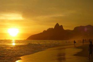 ipanema beach 99388 12801 compressed 300x200 - ipanema-beach-99388_1280(1)-compressed