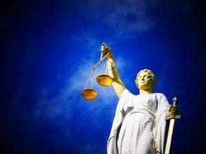 justice 2071539 640 300x225 - justice-2071539_640