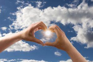 love 1672154 640 300x199 - love-1672154_640